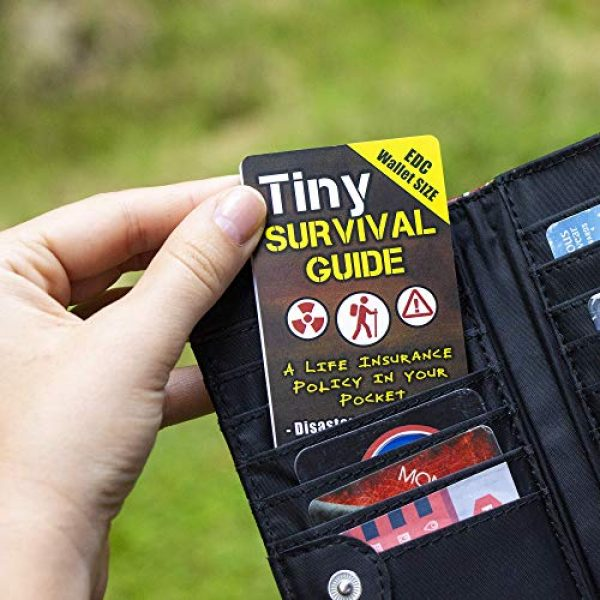 ULTIMATE SURVIVAL TIPS BE PREPARED-BECAUSE YOU NEVER KNOW Survival Guide 6 Tiny Survival Guide: A Life Insurance Policy in Your Pocket - The Ultimate Survive Anything Everyday Carry: Emergency, Disaster Preparedness Micro-Guide